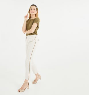 Pantalon chino à galon