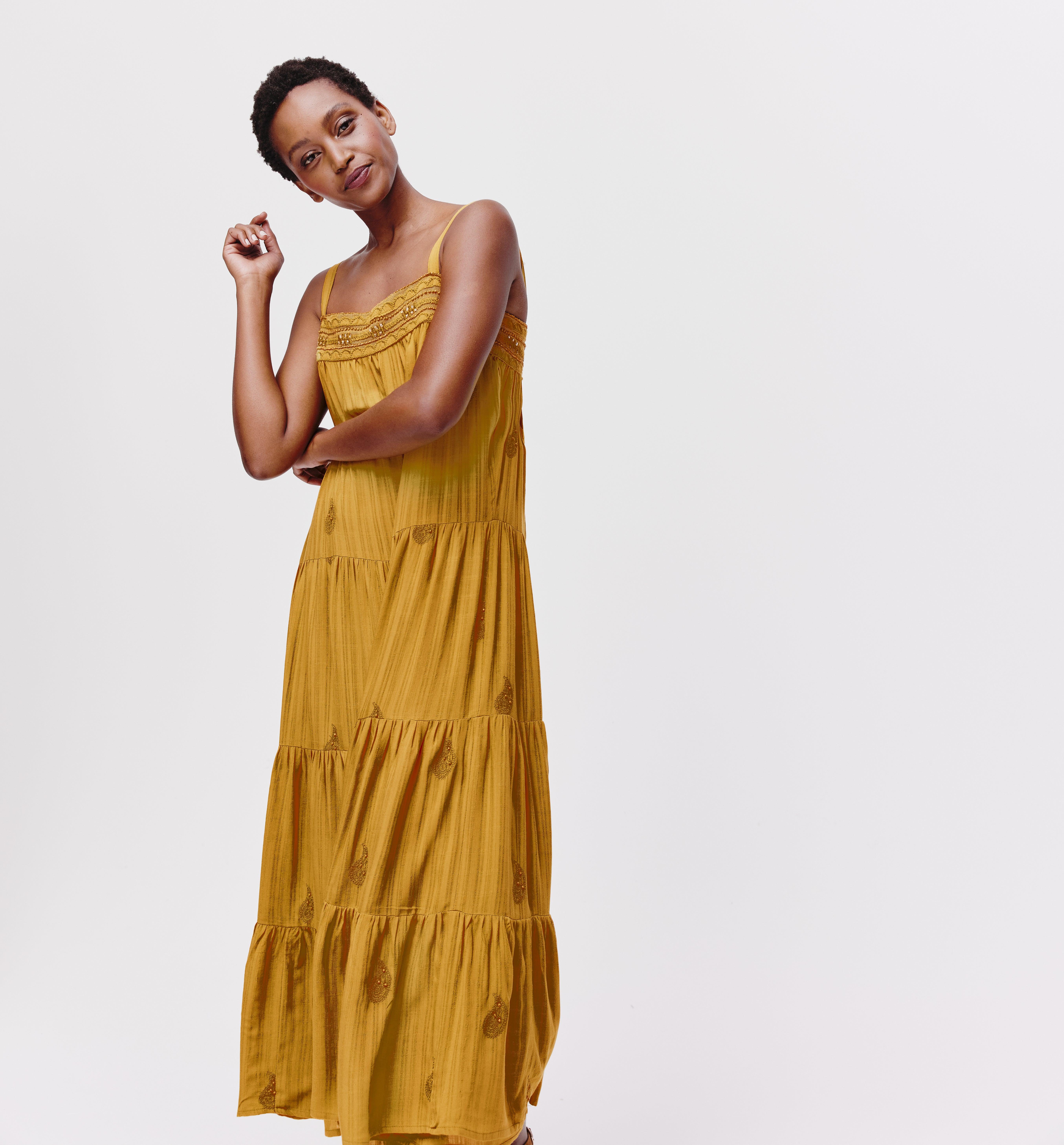 Longue robe perlé Femme