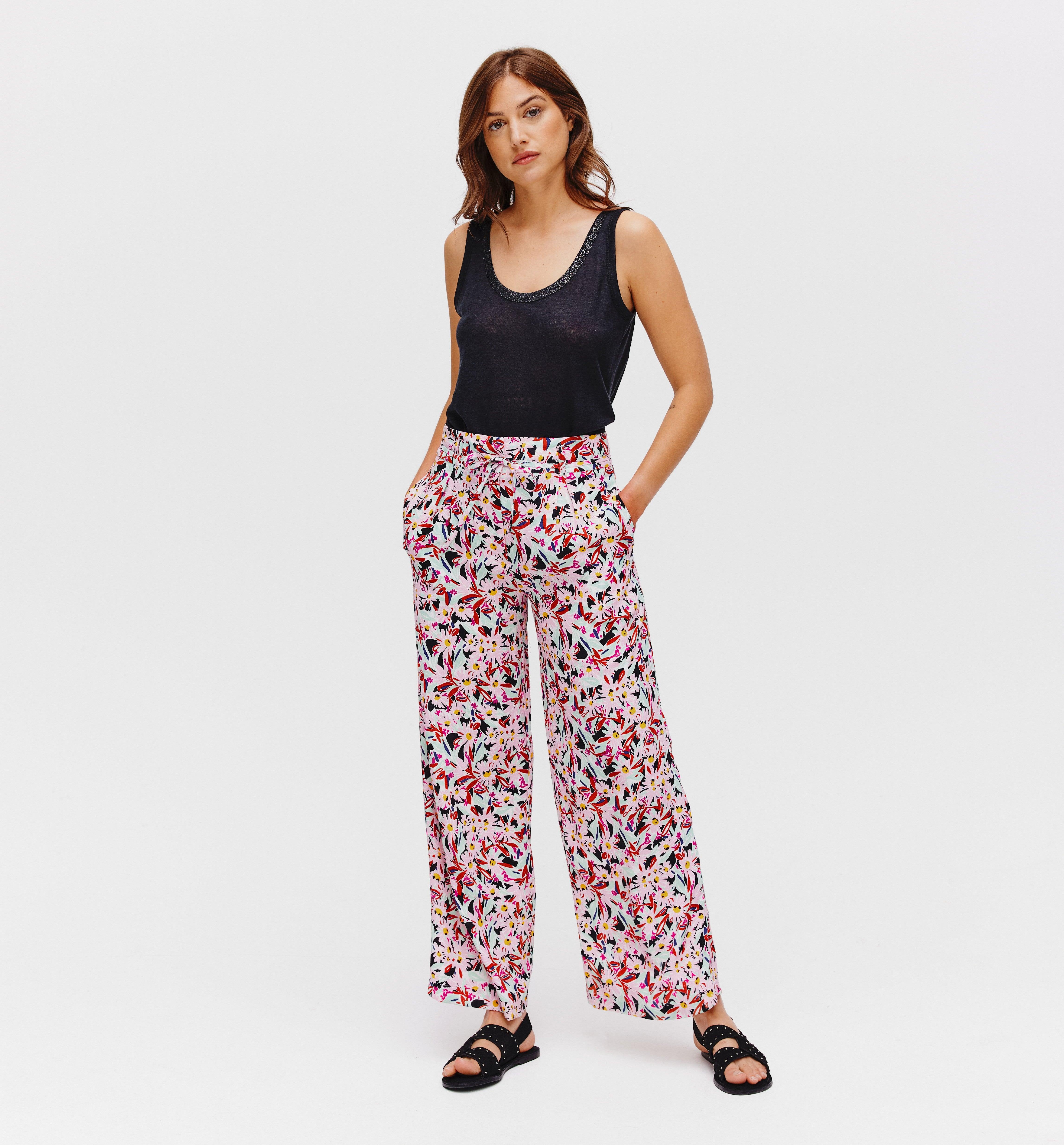 Pantalon large et taille haute