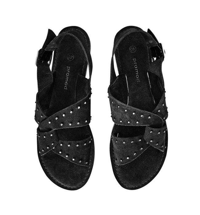 Sandales en cuir clouté